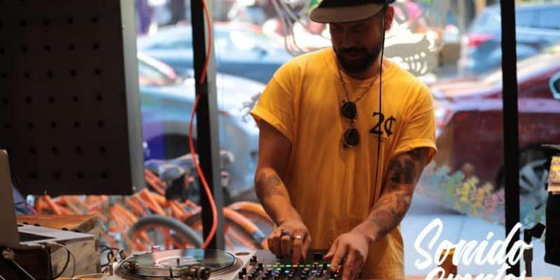 dj controller y mixer
