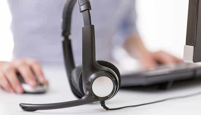 Cómo usar un auricular con micrófono en una PC 1