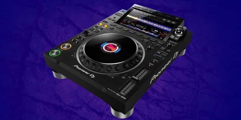 Este es el DJ Pioneer CDJ-3000 1