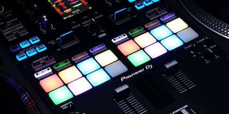 Esto es DJ Pioneer DJM-S11: Scratch Bank, controles de cuatro decks y más 1