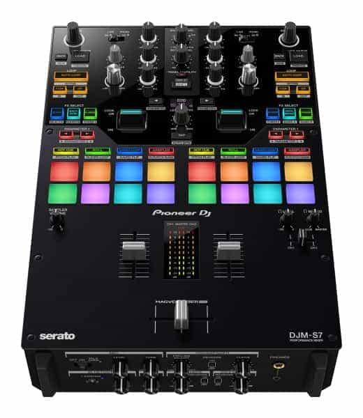 """DJM-S7 de DJ Pioneer: un mezclador de batalla de 2 canales con la nueva función """"Loop Midi"""" 1"""