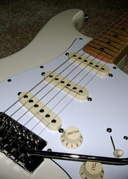 estudio-caso-de-guitarra-milán