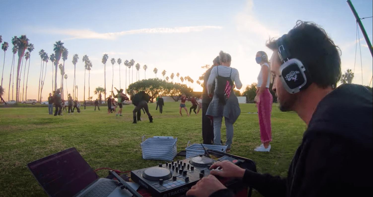 Equipo de DJ al aire libre: como Ean Golden organiza una fiesta de baile al aire libre 7